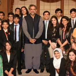 Students Meet PrimeMinister